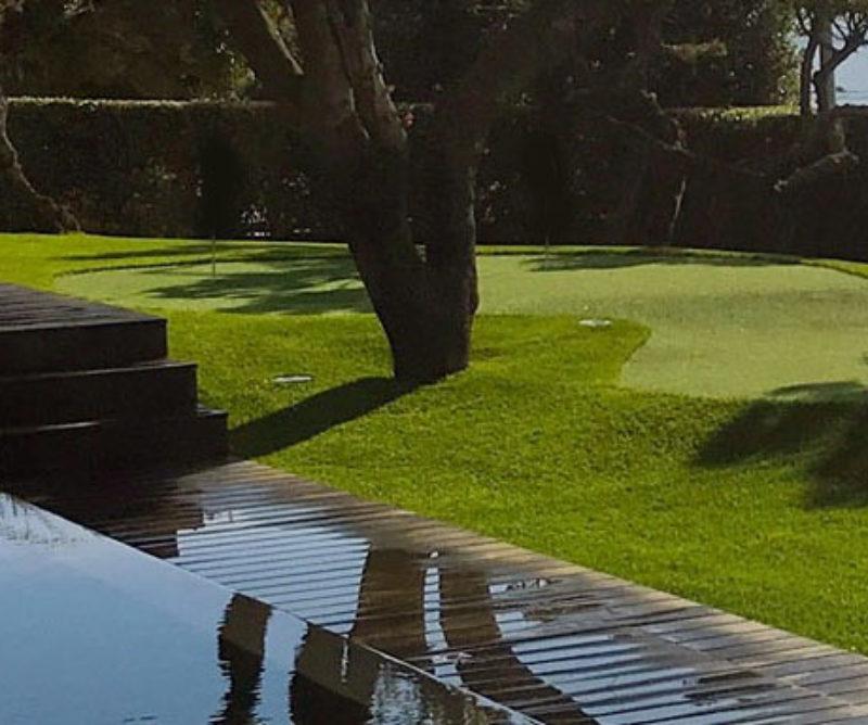 gazon synthétique jardins espaces verts bords piscine